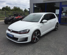 VW GOLF GTI 230 PERFORMANCE
