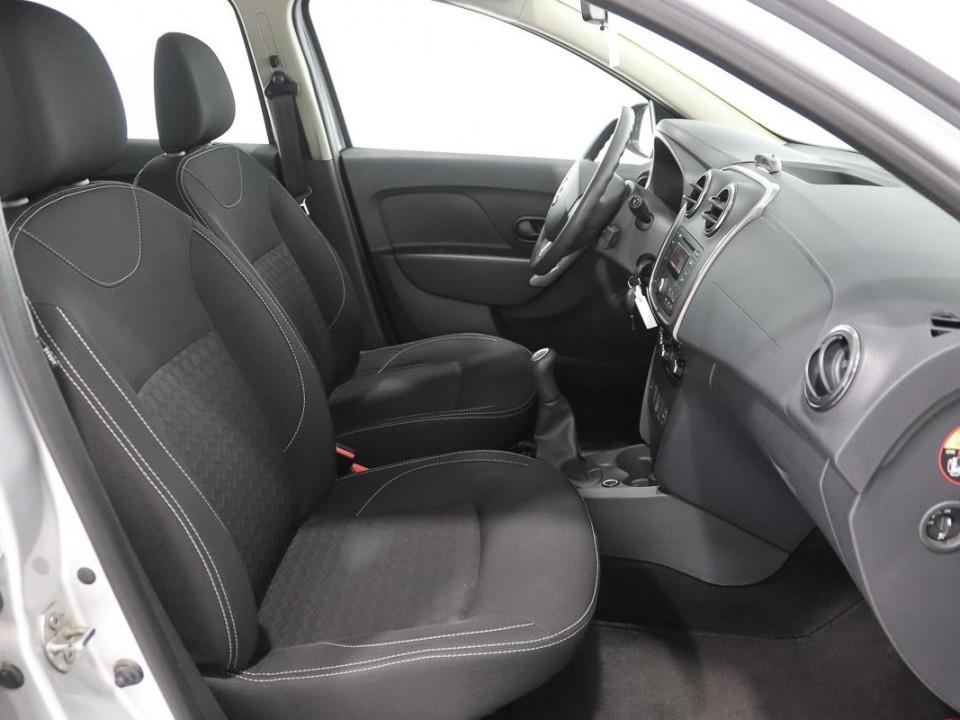 Dacia-Logan-444462-7