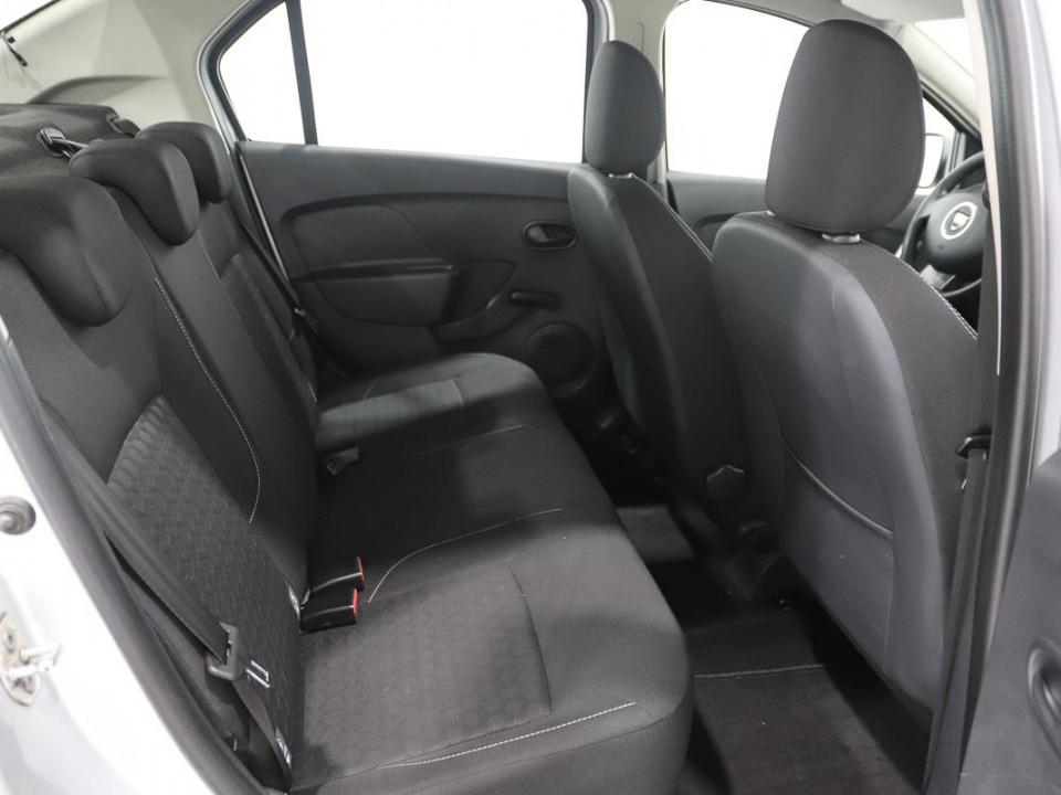 Dacia-Logan-444462-8