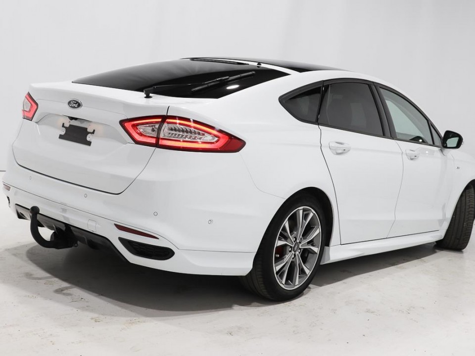 Ford-Mondeo-B35210-3