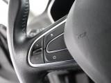 Renault-MEGANEESTATE-688566-17