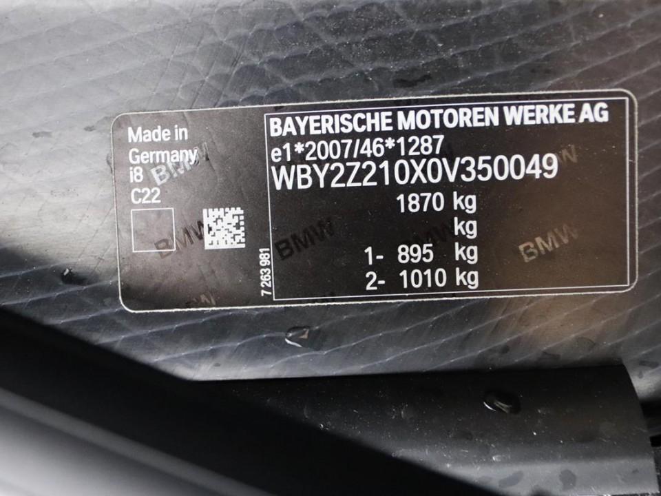 BMW-i8-350049-13