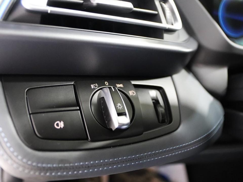 BMW-i8-350049-17