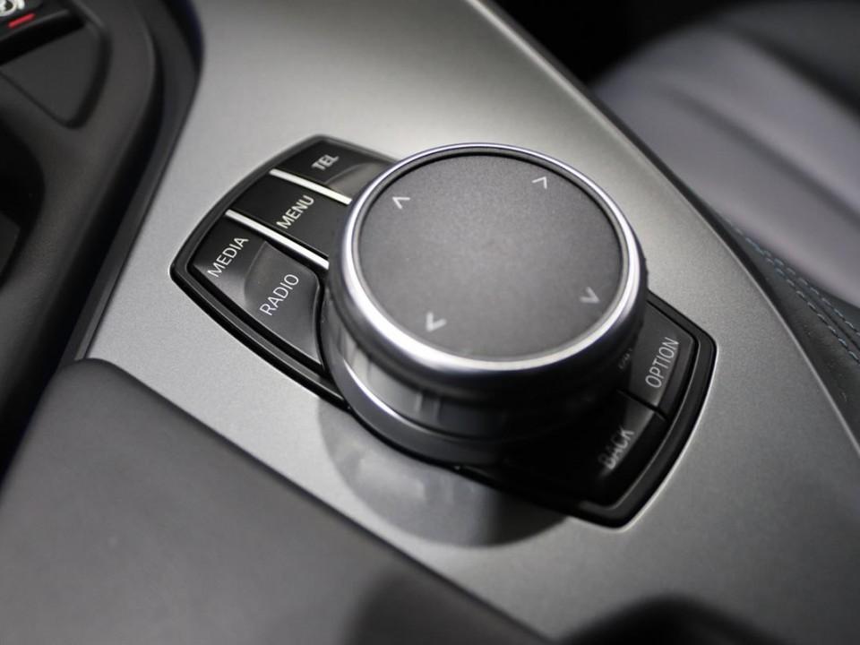 BMW-i8-350049-26