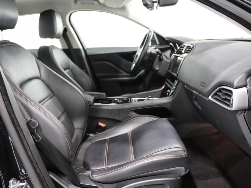 Jaguar-FPace-046248-10