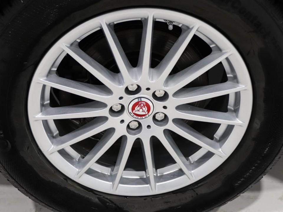 Jaguar-FPace-046248-6