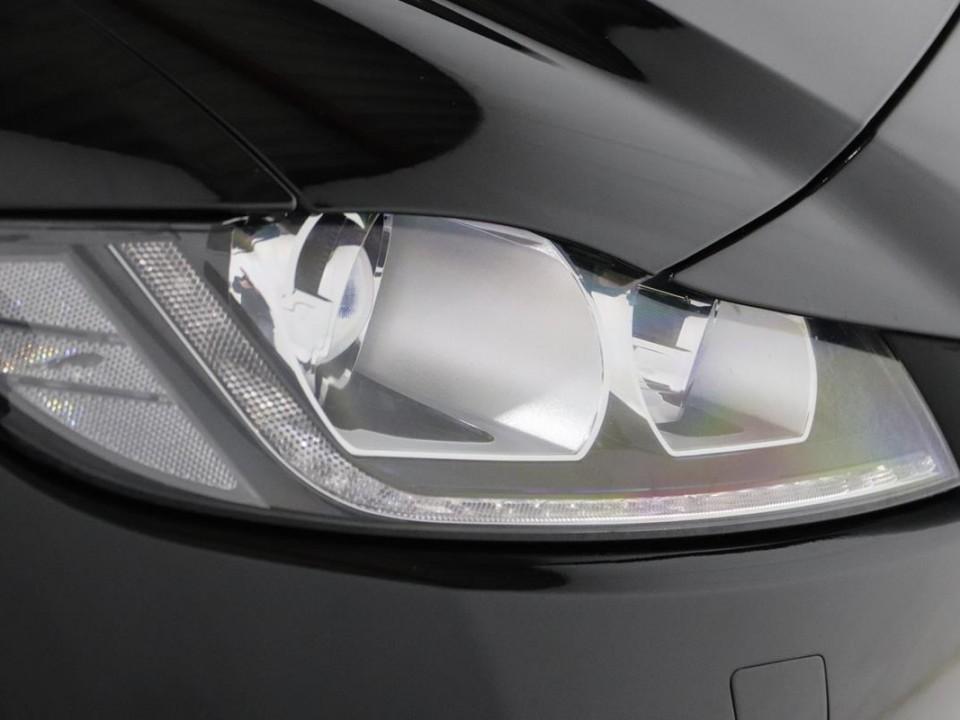 Jaguar-FPace-046248-9